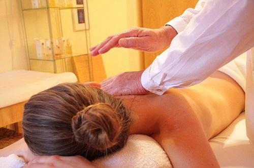 massasje et paradis for kroppen reiki massasje